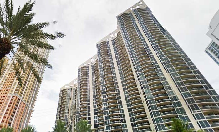 Pinnacle Condominiums