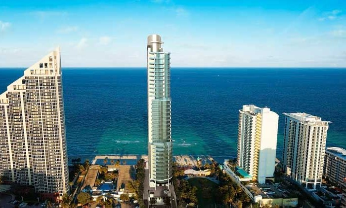 CHÂTEAU Beach Condominiums for sale and rent